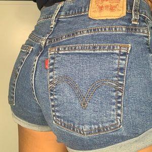 dark wash Levi's shorts!